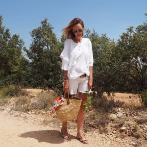 summer holidays trendy influencer love family blogger fashion over40style over40fashion