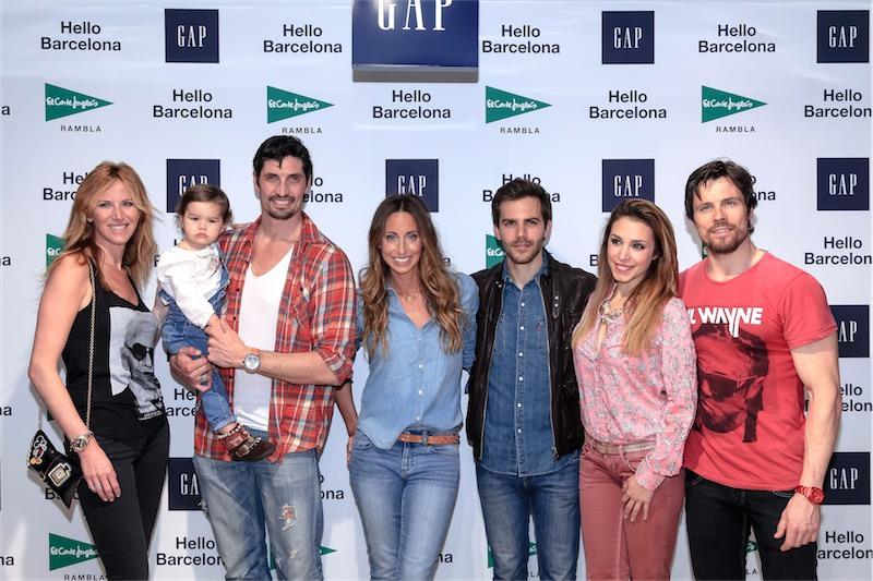 Opening GAP - El Corte Inglés Rambla - Alejandra Prat, Felipe López y su hija, Gemma Mengual, Marc Clotet, Gisela y Octavi Pujades. Foto Nacho Vaquero.