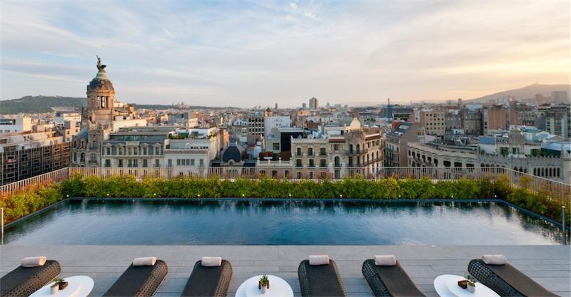 49.Mandarin-Oriental-Barcelona-Terrat-Rooftop-Sunset